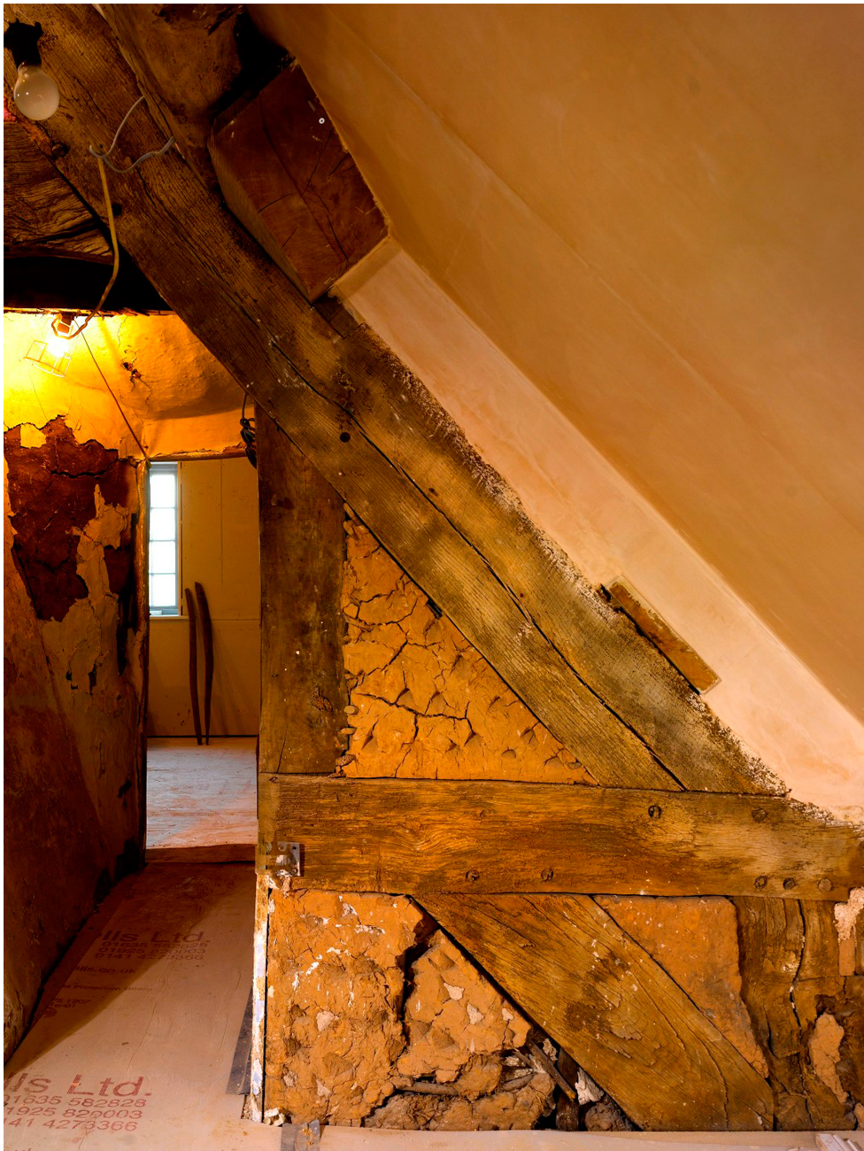 Plasterwork - sympathetic preservation of historic fabric